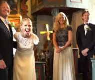 Bröllopet avbryts plötsligt av en välbekant röst – när hon ser vem kommer tårarna direkt!