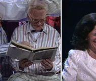 Carl Bildt och Ingvar Carlsson läser godnattsaga. När Silvia hör deras konversation viker hon sig av skratt!