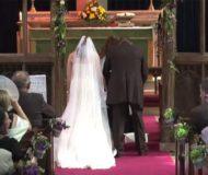 Det verkade vara ett helt vanligt bröllop men kolla in vad som händer efter 40 sekunder!